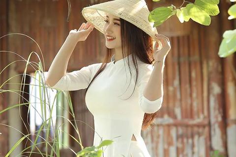 """Cô giáo Việt Nam được truyền thông Trung Quốc khen """"quyến rũ"""""""