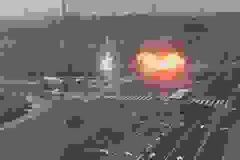 Tên lửa suýt rơi trúng ô tô trên đường cao tốc ở Israel