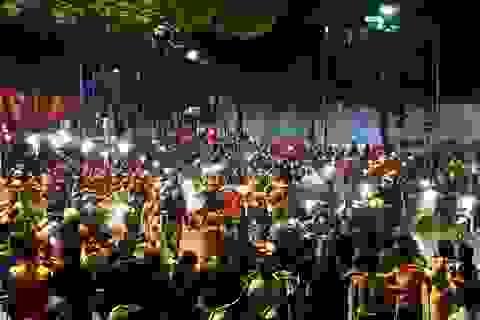 Hà Nội lại một đêm vui không ngủ, ăn mừng chiến thắng của tuyển Việt Nam