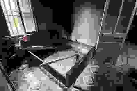 Vụ sát hại vợ rồi phủ chăn đốt xác: Nghi can vừa về quê thăm vợ thì gây án