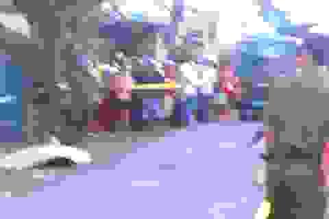Đánh nữ tiếp viên quán karaoke, 2 người đàn ông bị chém thương vong
