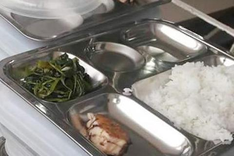 Băn khoăn bữa ăn trưa bán trú