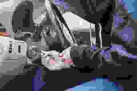 """Băng trộm siêu xe bị tóm gọn vì đăng ảnh khoe """"chiến lợi phẩm"""" lên mạng"""