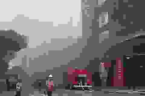Cháy công trình đang xây dựng ở trung tâm Sài Gòn