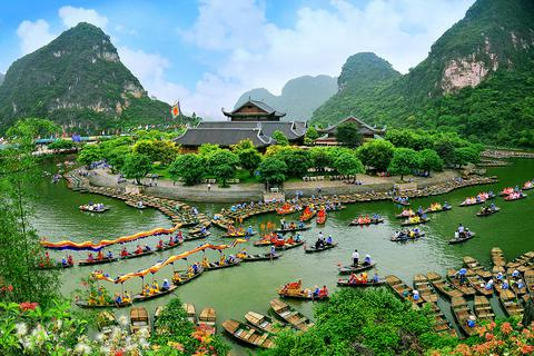 Ninh Bình phấn đấu đến năm 2025 doanh thu du lịch đạt trên 8.000 tỷ đồng