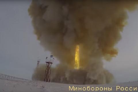"""Nga cho Mỹ """"mục sở thị"""" tên lửa nhanh gấp 27 lần tốc độ âm thanh"""