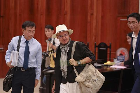 Ông Đặng Lê Nguyên Vũ chính thức tiếp quản toàn bộ cà phê Trung Nguyên