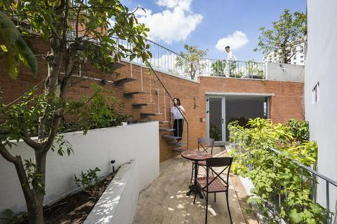 Căn nhà như vườn treo xanh mát tại TP Hồ Chí Minh, ai nhìn cũng muốn ở