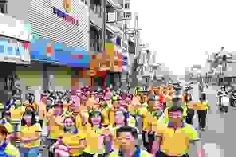 PNJ đi bộ đồng hành vì người nghèo 2019