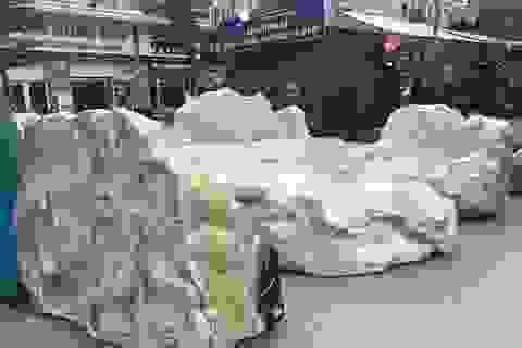 Chiêm ngưỡng bộ bàn ghế bằng ngọc nặng 25 tấn, có giá gần 3 tỷ đồng