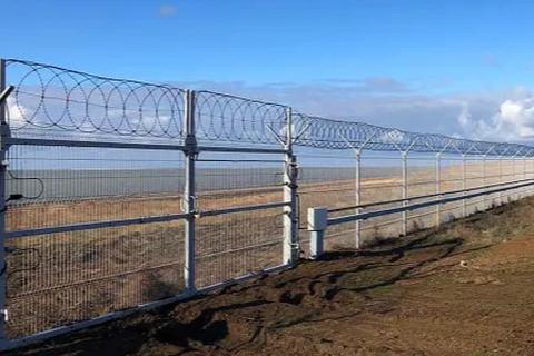 Ukraine cảnh báo xây tường ở miền Đông nếu đàm phán với Nga thất bại