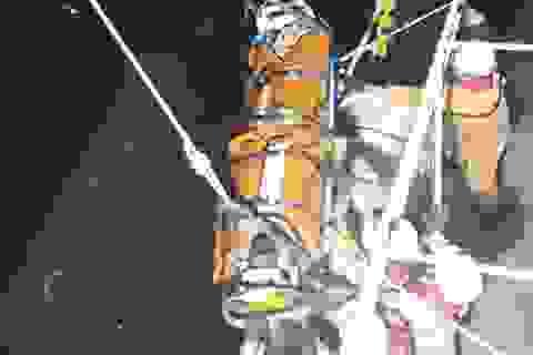 Vượt biển cứu thuyền viên Ấn Độ nguy kịch trên biển
