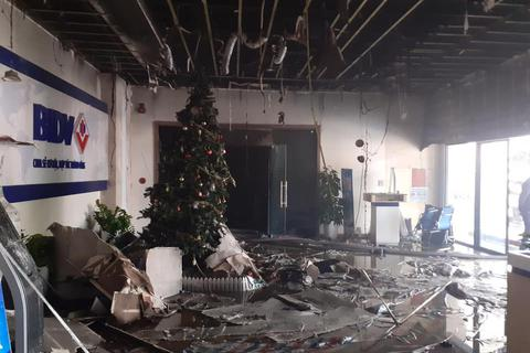 Hà Nội: Cháy phòng giao dịch ngân hàng ngay dưới tầng 1 chung cư