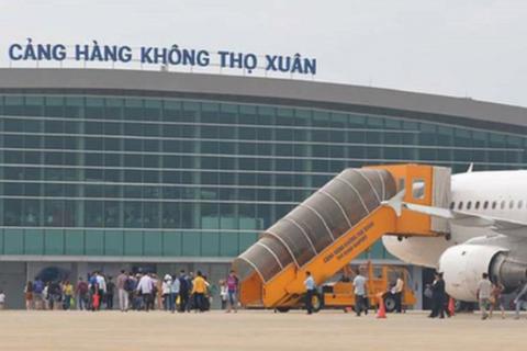 Nhân viên an ninh sân bay trả lại 200 triệu đồng cho hành khách bỏ quên