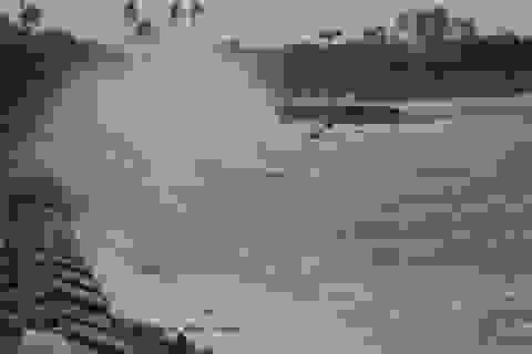 Quảng Ngãi: Biển động dữ dội cô lập đảo Bé Lý Sơn suốt nửa tháng
