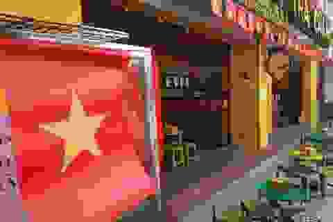 Không khí cổ vũ bóng đá rạo rực khắp Hà Nội