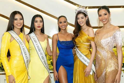 Hoa hậu H'Hen Niê đọ dáng cùng tân Hoa hậu Khánh Vân