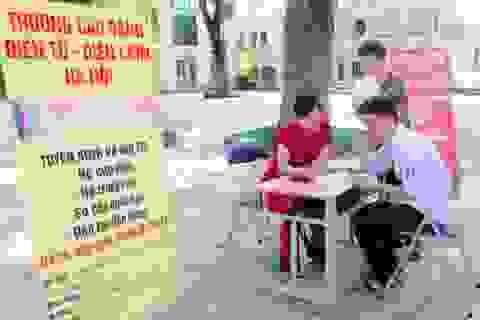 Hà Nội: Hàng nghìn lao động trẻ được tư vấn chọn nghề, phân luồng hướng nghiệp