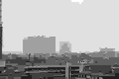 Hà Nội: Sương mù phủ kín khiến khí thải không thể phát tán lên cao