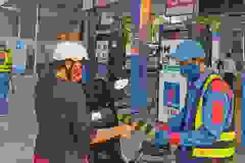 Giá xăng sẽ tăng vào ngày mai?