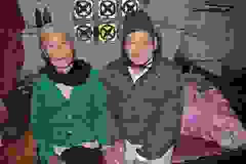 """Cụ bà ngót 80 tuổi """"gánh"""" chồng con được bạn đọc Dân trí giúp đỡ hơn 100 triệu đồng"""