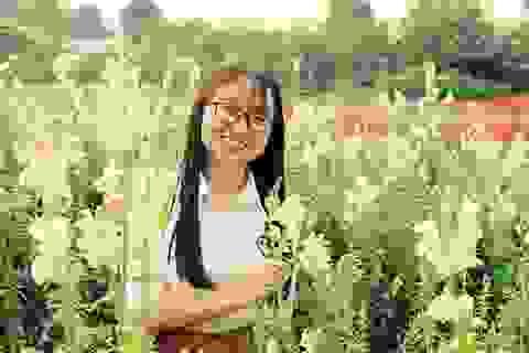 Nữ chủ nhiệm CLB sinh viên H'Mông mở lớp dạy tiếng Anh miễn phí