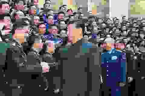Ông Tập Cận Bình thăng hàm sĩ quan quân đội nhiều chưa từng có