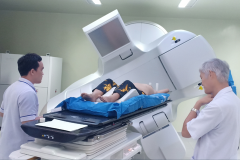 Nhiều quý ông choáng váng khi chẩn đoán bị… ung thư vú