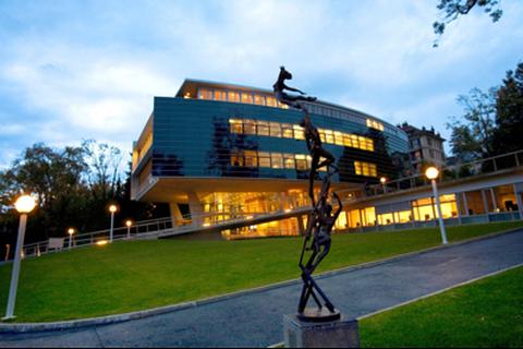 10 ngôi trường tốt nhất ngoài lãnh thổ Mỹ để học MBA năm 2019