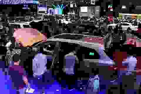 """""""Thảm họa kép"""" Covid-19 và tháng cô hồn, thị trường xe Việt có nguội lạnh?"""