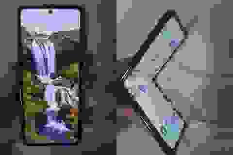Lộ ảnh thực tế smartphone màn hình gập Galaxy Fold 2 của Samsung