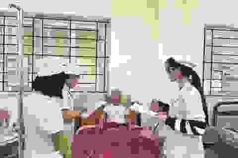 """Sinh viên y hào hứng với cách học """"đảo chiều"""""""