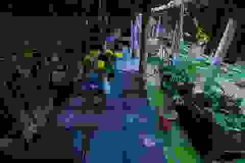 Độc nhất nhà cổ 300 tuổi làm từ gỗ lim, nằm giữa khu vườn xanh mát mắt ở Hà Nội