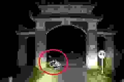 Hai thanh niên nghi dàn dựng cảnh tai nạn để tấn công xe cứu thương