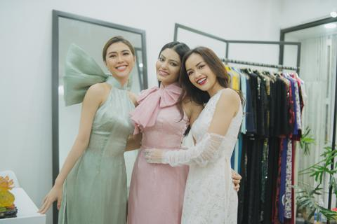 Tường Linh mời Hoa hậu Siêu quốc gia Malaysia đến Việt Nam xem biểu diễn thời trang