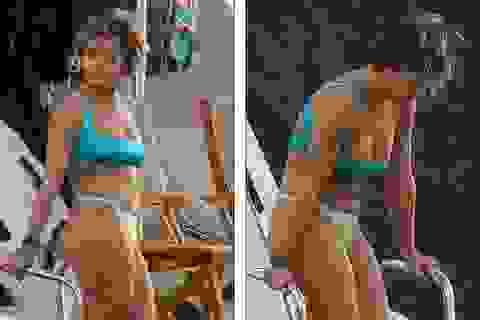 Rita Ora lộ dáng đầy đặn trên biển