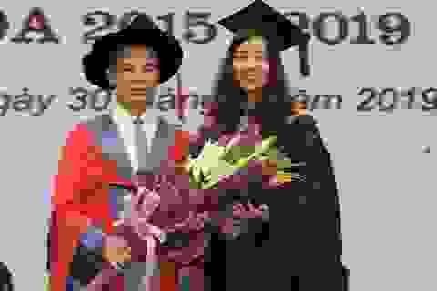 Nữ thủ khoa đầu ra ĐH Hà Nội tiết lộ bí quyết săn học bổng quốc tế