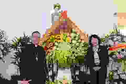 Phó Chủ tịch nước chúc mừng Giáng sinh tại Tòa Giám mục giáo phận Bùi Chu
