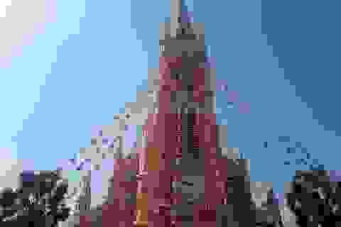 Các nhà thờ trung tâm Sài Gòn trang trí lung linh trước đêm Giáng sinh