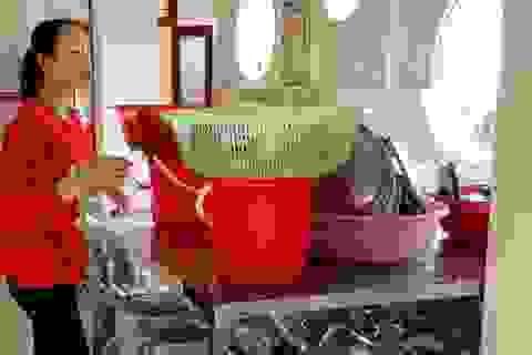 Tạm dừng bếp ăn bán trú tại trường mầm non có hơn 100 trẻ nghi bị ngộ độc