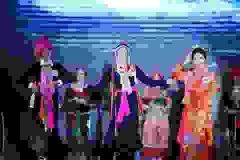 Độc đáo cuộc thi hoa khôi hội tụ trang phục truyền thống các dân tộc thiểu số