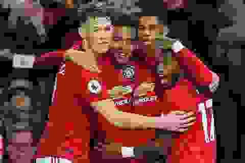 """Man Utd 4-1 Newcastle: Hàng công thăng hoa, """"Quỷ đỏ"""" giành trọn điểm"""