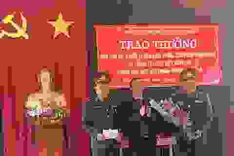 Khen thưởng ban chuyên án phá thành công vụ bắt 18kg ma túy đá và 30 bánh heroin