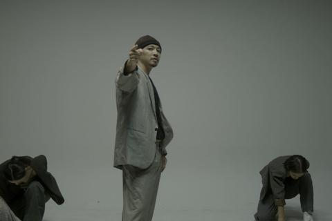 """Hà Lê vừa hát, nhảy hiphop và đọc rap trong """"Biển nhớ"""""""