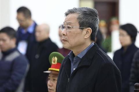 Hoãn phiên xử cựu Bộ trưởng Nguyễn Bắc Son