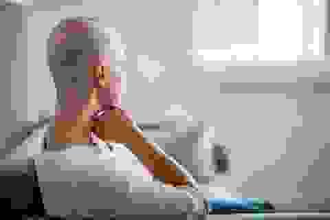 Cách giảm rụng tóc trong thời gian hóa trị ung thư