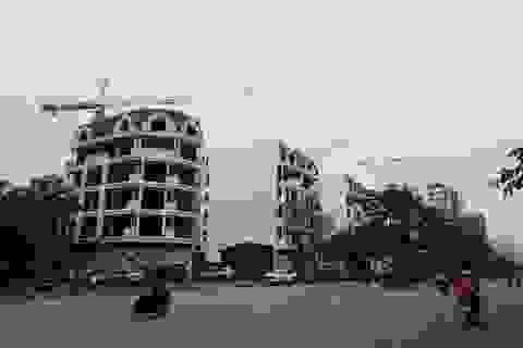 """Vụ tranh chấp rúng động ở Hà Nội: Căn cứ nào để Sở Tài nguyên cấp sổ đỏ cho """"đất vàng""""?"""