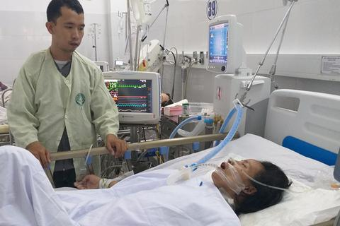 Xót xa hoàn cảnh người phụ nữ buôn ve chai bị hai em học sinh tông xe toàn thân như dập nát