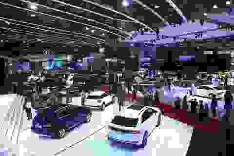 Ô tô Việt đại hạ giá năm 2019, khách hàng lợi trăm bề