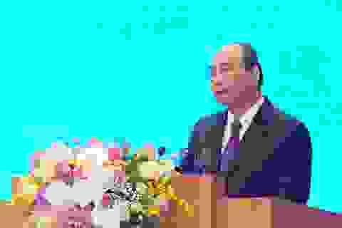 Thủ tướng gửi lời cảm ơn đến từng người dân, từng công chức, viên chức!